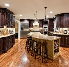 """View this Great Traditional Kitchen with Kitchen island & Breakfast bar by Borchert Building Company. Discover & browse thousands of other home design ideas on Zillow Digs. Cuisines Design, Traditional Kitchen, Home Living, Living Room, House 2, Beautiful Kitchens, Kitchen Decor, Kitchen Ideas, Nice Kitchen"