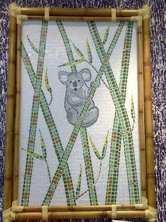 Quadro em pastilhas de vidro com moldura em bambú. 1,20m x 0,80m