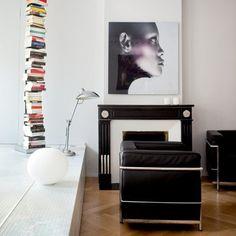 Олег Доу. Из серии Naked faces 2005-2007. Квартира в доме 18 века в Страсбурге