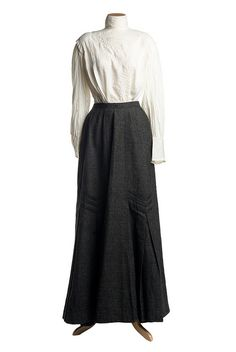 White linen blouse and gray wool skirt, From the collections of the Charleston Museum Vintage Dresses, Nice Dresses, Vintage Outfits, Casual Dresses, Fashion Dresses, 1900s Fashion, Edwardian Fashion, Vintage Fashion, Vintage Beauty