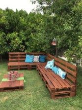 26 Smart Ways to make Pallets Furniture in Your Garden https://www.abchomedecor.com/2018/04/20/26-smart-ways-to-make-pallets-furniture-in-your-garden/
