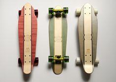Les skate Eastpak x Courreges http://www.vogue.fr/culture/carnet-d-adresses/diaporama/le-grand-guide-de-l-ete-2014/19702/image/1038542#!les-skate-eastpak-x-courreges