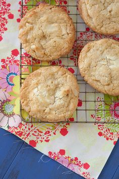 white chocolate chunk macadamia nut cookies by annieseats