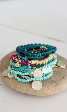 Prachtige combinate van #armbanden met #rocailles #bracelete