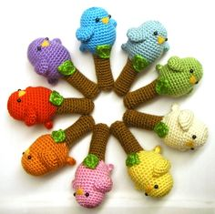 View all Mamachee Patterns here: www.mamachee.etsy.com  **This is a listing for an instant download PDF crochet pattern**  This rattle is sure to thrill