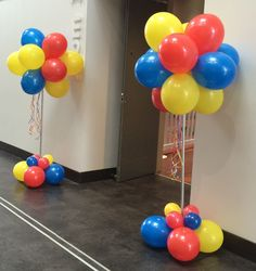 Balloon Cluster Columns by http://www.buildabirthday.co.nz/collections/balloon-columns-arches