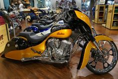 2016 Indian® Chieftain® BLACK/GOLD Stock: | Indian Motorcycle Daytona Beach