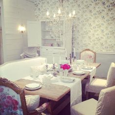 rachel ashwell: vintage wallpaper in dining room