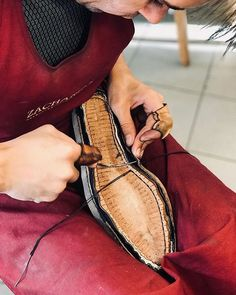 #rucniprace #boty #botynamiru #rucnesiteboty #svec #kůže #leatherwork #luxuryshoes #handsewn #weltedshoes #shoemaking #shoemaker #workinprogress