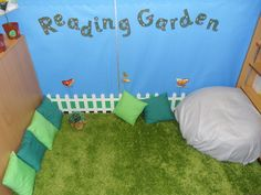 Google Image Result for http://d2c.net/wp-content/uploads/2012/09/Kids-Studying-and-Playing-Room-Decoration-for-Kindergarten-Classroom-Design-Ideas.jpg