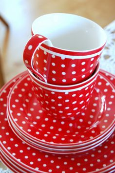 similiar to the dishes I already have, just with more dots ... would be great to replace broken ones