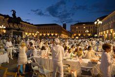 Unconventional Dinner Cena in Bianco: GRAZIE MILLE! CENA IN BIANCO 29 GIUGNO 2014. Torino, Piazza San Carlo.