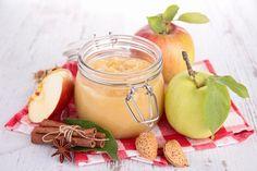 Apfelmus schmeckt nicht nur frisch eingekocht richtig gut, sondern auch abgefüllt in Gläsern. So kann man sich das ganze Jahr über daran erfreuen.