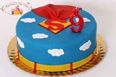 Tort Superman pentru Razvan