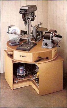 Para quem não disponibiliza de muito, espaço esta bancada vem sanar o problema ela comporta varias maquinas eletricas em um unico lugar:    ...