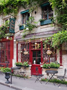 Montmartre, Paris Seriously one of the cutest parts of the city. ~ When I get to Paris, I'll stay in Montmartre. Montmartre Paris, Oh Paris, Paris Cafe, Oh The Places You'll Go, Places To Travel, Travel Things, Travel Stuff, Beautiful World, Beautiful Places