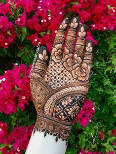 Mehndi Designs Front Hand, Latest Arabic Mehndi Designs, Floral Henna Designs, Stylish Mehndi Designs, Full Hand Mehndi Designs, Mehndi Designs 2018, Mehndi Designs For Girls, Mehndi Design Photos, Wedding Mehndi Designs