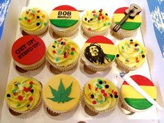 Cupcakes in honor of Bob Marley's birthday! Happy Earthday to our Legend Anniversaire Bob Marley, Rasta Cake, Bob Marley Cakes, Jamaican Party, Muffins, Jamaican Recipes, Jamaican Cuisine, Themed Cupcakes, Birthday Cupcakes