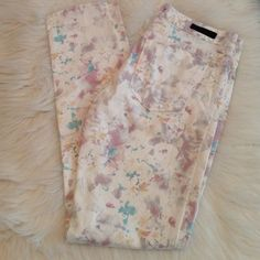 Sanctuary floral size 27 Sanctuary floral size 27 new without tag Sanctuary Jeans