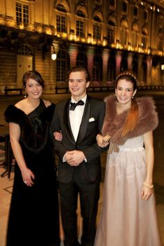 Princess Alexandra and Princess Tessy with a very lucky gentleman. www.rosendorfevansfurs.com