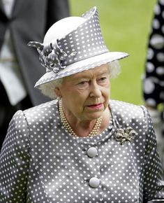 God Save The Queen, Hm The Queen, Royal Queen, Her Majesty The Queen, Commonwealth, Windsor, Kate Middleton, English Royal Family, Isabel Ii