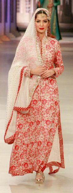Beautiful #Desi Fashion by Brilliant @NomiAnsari ~ http://NomiAnsari.com.pk/ Pakistan Pakistani Wedding Dresses, Pakistani Bridal, Pakistani Outfits, Indian Dresses, Bridal Dresses, Pakistan Fashion, India Fashion, Ethnic Fashion, Pakistani Couture