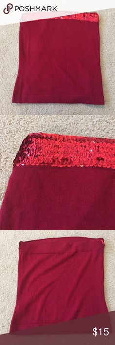"""Express holiday sweater tube top Beautiful holiday tube top. Soft Sweater material. Wear with a shrug!  Gorgeous!  Top to bottom is 15 3/4"""". Across the top is 15"""". EUC. Sequins in perfect order. Express Tops"""