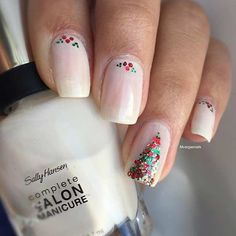 Easy and Eye-Catching Christmas Nails
