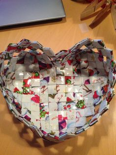 Diy And Crafts, Crafts For Kids, Arts And Crafts, Recycled Magazine Crafts, Paper Roll Holders, Paper Chains, Chip Bags, Candy Wrappers, Paper Folding