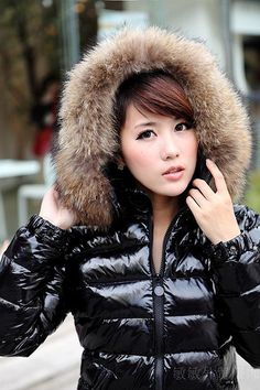 Down Puffer Coat, Down Coat, Hooded Winter Coat, Elegantes Outfit, Puffy Jacket, Jacket Style, Cool Girl, Jackets For Women, Winter Jackets