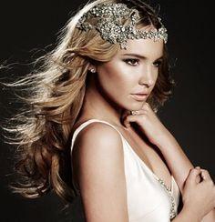 Complementos para novias: Tiara con perlas