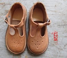 FRENCH VINTAGE 50's / kids / shoes / leather by Prettytidyvintage, €32.00