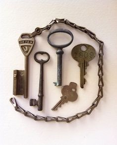Vintage Keys Skeleton Keys in Silver Tones Lot of 5
