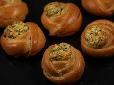 Trandafiri+cu+telemea Baked Potato, Muffin, Potatoes, Bread, Baking, Fruit, Breakfast, Ethnic Recipes, Food