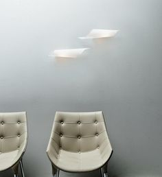 Floor and wall lamps, made with a one-piece curved glass. In the floor version…