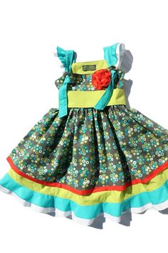Any little southern belle will shine thanks to the precious all over print fabric and attention to detail in this classically cute dress.    100% Organic Cotton Poplin (GOTS)