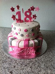 Stapeltaart voor de 18e verjaardag van Romy