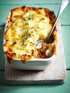 Pizza, pie, pasta - whatever your comfort food of choice, don't feel guilty indulging in these dinners under 500 calories. Low-cal and delicious! Mince Recipes, Beef Recipes, Cooking Recipes, Healthy Recipes, 800 Calorie Meal Plan, Low Calorie Recipes, Calorie Diet, Minced Beef Pie, Dinners Under 500 Calories
