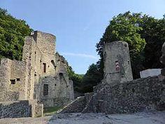 Die wenigen, aber imposanten Reste der Burg Hardenstein in Witten