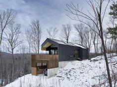 casa com anexo de madeira