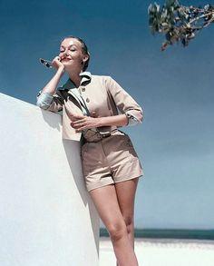 Liz Pringle, photo by John Rawlings, Vogue 1953