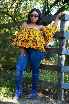 Moesha Boduong african print top with jeans African Dresses For Women, African Print Fashion, African Fashion Dresses, African Attire, African Wear, African Women, Fashion Prints, African Prints, African Outfits