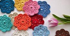 alice brans posted Crochet a Dahila Flower Tutorial to their -crochet ideas and tips- postboard via the Juxtapost bookmarklet. Crochet Coaster Pattern, Granny Square Crochet Pattern, Crochet Stitches Patterns, Doily Patterns, Pattern Ideas, Unique Crochet, Beautiful Crochet, Easy Crochet, Crochet Gifts