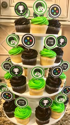 - Xbox Games - Trending Xbox Games for sales - Video game cupcakes! 13th Birthday Parties, Birthday Games, 11th Birthday, Birthday Cupcakes, Birthday Party Decorations, Birthday Ideas, Xbox Party, Game Truck Party, Video Game Cakes