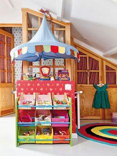 Carpa de juegos en el dormitorio infantil