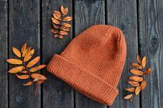 Historien upprepar sig & en stickad mössa - Diagnos:Kreativ Knitted Hats, Knitting, Fashion, Creative, Moda, Tricot, La Mode, Knit Caps, Breien