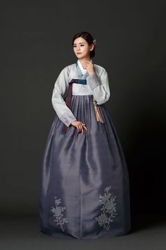 Korean Traditional Dress, Traditional Clothes, Traditional Fashion, Korean Hanbok, Korean Dress, Korean Outfits, Oriental Dress, Culture Clothing, Fantasy Dress
