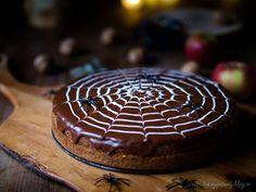 Ořechový dort s jablky – PĚKNĚ VYPEČENÝ BLOG Cake, Desserts, Food, Tailgate Desserts, Deserts, Kuchen, Essen, Postres, Meals