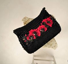 Poppy clutch. by OrlovaDesignBoutique on Etsy