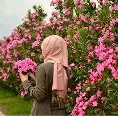 Hijab Niqab, Muslim Hijab, Hijab Chic, Mode Hijab, Hijab Outfit, Anime Muslim, Hijabi Girl, Girl Hijab, Muslim Girls
